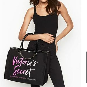 👜NWT Victoria's Secret City Tote👜
